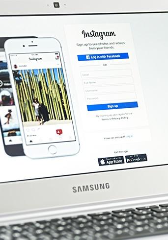 Selecting Social Channels-LP